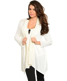 Apparel, fashion jewelry, accessories Wholesalers include dresses, plus size clothing, necklaces, perfumes & cosmetics - Offers women wholesale fashion at closeout prices.