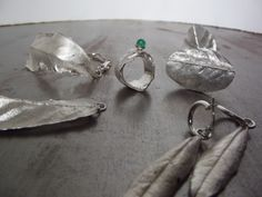 bladmotief, hanger, ring armband, oorbellen