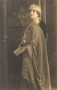 Queen Marie of Romania Gallery / Queen Marie Postcard