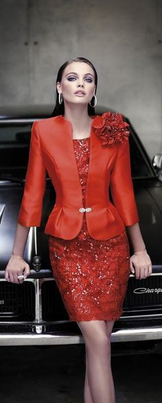 very nice red dress Jacket Dress, Peplum Dress, Elegant Dresses, Beautiful Dresses, Mothers Dresses, Looks Style, Mother Of The Bride, Party Dress, Fashion Dresses