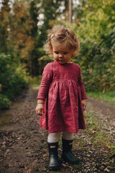 Raspberries Linen Kids Dress Linen Girl Dress Girl Soft Linen Dress Kindergarten dress Home clothes Home dress Kindergarten clothes So Cute Baby, Baby Kind, Cute Babies, Baby Baby, Baby Girl Fall, Carters Baby Girl, Babies R Us, Baby Winter, Mom And Baby