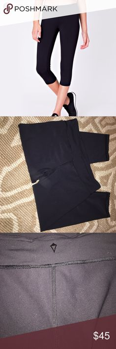 Ivivva (lululemon) Tights ❤️ Reversible Rhythmic Crop- Luxtreme. No wearing at all, size 14 girls- would be a woman's size 2. Creatated by lululemon for youth/girls! z#0305 Ivivva Pants Leggings