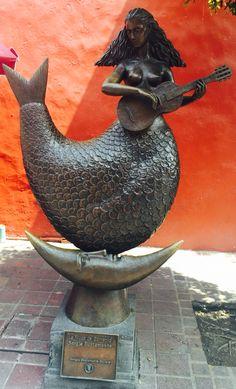 """""""La Musa de Sorrento"""" de Sergio Bustamante en Tlaquepaque - Guadalajara - México"""
