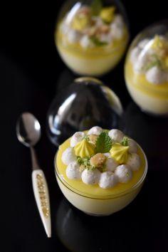 רחלי קרוט: ביצת הפתעה עם שברי עוגיות חמאה, מוס לימון, קארד לימון ונענע