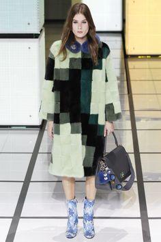 Anya Hindmarch Fall 2016 Ready-to-Wear Fashion Show