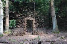 ผลการค้นหารูปภาพโดย Google สำหรับhttp://laurajul.dk/wp-content/uploads/2012/05/Gravity-Defying-Land-Art-by-Cornelia-Konrads-sculpture-installation-art-.jpg