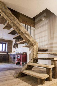 Pasillo, hall y escaleras de estilo translation missing: mx.style.pasillo-hall-y-escaleras.rústico por RI-NOVO natural design