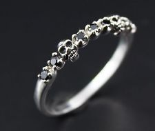 Black diamond skull ring
