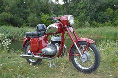 JAWA 350/360 1974 г.в Jawa 350, Motorcycle Engine, Classic Bikes, Cars And Motorcycles, Motorbikes, Techno, Concept Art, Engineering, Retro
