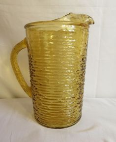 Vintage-Anchor-Hocking-Lido-Soreno-Amber-28oz-Pitcher-with-ice-tea-Lip