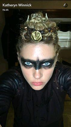 Katheryn Winnick H. Tribal Makeup, Edgy Makeup, High Fashion Makeup, Lagertha Costume, Lagertha Hair, Viking Halloween Costume, Vikings Halloween, Krieger Make-up, Viking Makeup