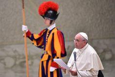 El 2015 se perfila como un año intenso para Francisco. Visitará Asia, África y América http://radiomaria.org.ar/papa-francisco/?p=17217…