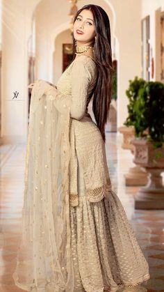 Party Wear Indian Dresses, Pakistani Formal Dresses, Designer Party Wear Dresses, Pakistani Wedding Outfits, Dress Indian Style, Wedding Dresses For Girls, Pakistani Dress Design, Indian Designer Outfits, Bridal Outfits