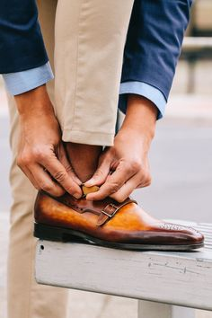 Fancy, Dapper, Men, Smart, Blue Blazer, Ties, Pocket Squares, Sunglasses, Shoes, Leather Shoes, Brown, Black, Buckles, Brogues, Menswear, Mens Style, Fashion, Mens Fashion, Wardrobe, City Style, Close Up, RayBan, Belts