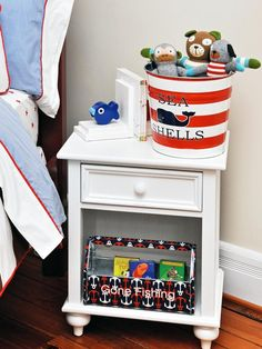 Designer MacGyver: 5 Perfect Ideas for Metal Pails and Buckets http://blog.hgtv.com/design/2014/06/23/metal-pail-bucket-ideas/   http://idealshedplans.com/backyard-storage-sheds/