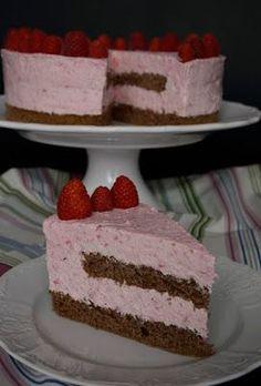 Egyszerű, gyümölcsös torta, málnaszezonon kívül mirelit málnából is készíthető. Hozzávalók 24 cm-es kapcsos tortaformához ... Healthy Cookies, Healthy Snacks, Hungarian Desserts, Relleno, Cheesecakes, Vanilla Cake, Mousse, Cake Recipes, Food Porn