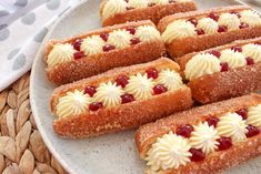 Mini Pie Recipes, Donut Recipes, Cake Recipes, Dessert Recipes, Desserts, Easy Sausage Roll Recipe, Homemade Sausage Rolls, Chocolate Eclair Recipe, Pizza Twists