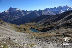 Il lunghissimo vallone di Entrelor affacciato sulla Grivola e sul Gran Paradiso in Valle d'Aosta - Foto: Enrico Romanzi