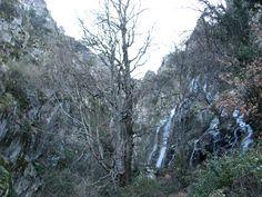Los Riscos de Cabezamerina en el Puerto de Honduras, un profundo Valle dentro del Valle del Jerte.