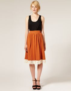 love this simple high waisted skirt