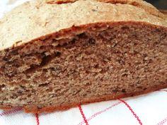Mostanában+kenyér+sütéssel+próbálkozom,+megtaláltam+ezt+a+régi+receptet,+újra+elővettem,+és+milyen+jól+tettem.+Nagyon+finom+és+egészséges+kenyeret+kapunk+eredményül,+mely+élesztő+nélkül+készül,+rostban,+ásványi+anyagokban+gazdag.+Nem+is+ragozom+tovább,+inkább…