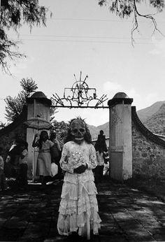 Primera comunión / First communion - Chalma, State of Mexico, 1984 - Graciela Iturbide