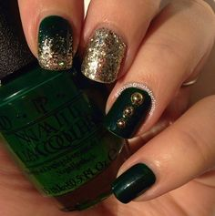 Glitter Gloden Bead Nails : http://instagram.com/p/wID4kyiXWV/?modal=true