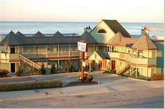 Cayucos Shoreline Inn - Pet friendly, on the beach in Cayucos!