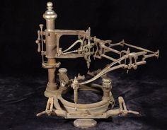 ANTIQUE-cast-iron-FRANCIS-ENGRAVING-MACHINE-PANTOGRAPH-Jewelers-Tool-Steam-Punk
