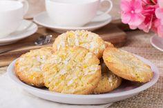 Vajas, citromos házi keksz: üde finomság a sütis dobozodba Krispie Treats, Rice Krispies, Cereal, Muffin, Food And Drink, Cheese, Breakfast, Cake, Recipes