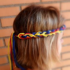 Handmade crochet Colombia headband for the Soccer World Cup 2014 in the colors of the Colombian flag. Long strings at the back to show the colors and your Colombia pride! For all Colombian girls. More designs available in my Etsy shop. #Colombia #COLOROGY