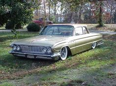 1961 Buick LeSabre Specs, Photos, Modification Info at CarDomain Lo Rider, Buick Wildcat, Electra 225, North Little Rock, Junk Yard, Buick Lesabre, Rusty Cars, First Car, Barn Finds