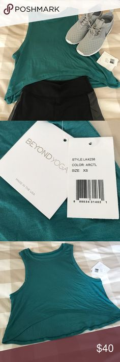 NWT Beyond Yoga Teal Crop Tank Fun crop-top tank - great for a workout or just to wear during the summer! Beyond Yoga Tops Crop Tops