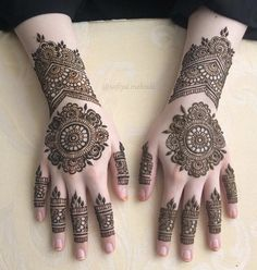 We have got a list of top Mehndi designs for Hand. You can choose Mehndi Design for Hand from the list for your special occasion. Round Mehndi Design, Mehndi Designs For Girls, Henna Art Designs, Indian Mehndi Designs, Mehndi Designs For Fingers, Modern Mehndi Designs, Mehndi Design Pictures, Engagement Mehndi Designs, Wedding Mehndi Designs