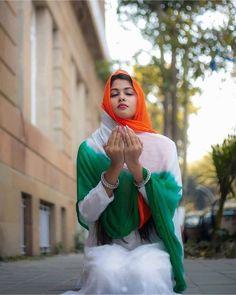 Beautiful Girl In India, Beautiful Girl Photo, Most Beautiful Indian Actress, Beautiful Horses, Wallpaper Indian, Images Wallpaper, Army Wallpaper, Qhd Wallpaper, Lion Wallpaper