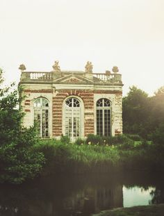 englishsnow:  abandoned in france by lili s.