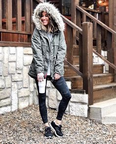 99 Wonderful Winter Outfits Ideas With Black Pants To Copy - Legging Outfits, Nike Outfits, Black Leggings Outfit, Sporty Outfits, Leggings Fashion, Black Pants, Leggings Style, Sporty Fashion, Adidas Outfit