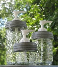 Soap Dispenser Set of Three Ball Quilted Crystal Mason Jar Soap or Lotion Dispensers Mason Jar Seifenspender, Mason Jar Candles, Mason Jar Crafts, Diy Projects To Try, Crafts To Make, Fun Crafts, Mason Jar Soap Dispenser, Soap Dispensers, Bottles And Jars