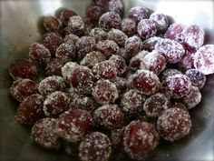Frosted Grapes {It's just grapes and Jell-o mix!} a gluten free delicious treat!