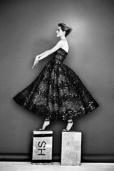 Carolina Herrera | Resort 2017 Collection | Vogue Runway