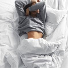 Just wanna stay in bed and :sleeping: Image Tumblr, Shotting Photo, Foto Casual, Chill Pill, Stay In Bed, Lazy Days, Lazy Sunday, Jolie Photo, Tumblr Girls