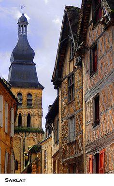 Kerkklok van Sarlat - Dordogne, Frankrijk, www.luxetent.nl/frankrijk
