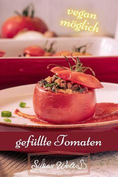 Diese Tomaten 🍅 sind Ochsenherz-Tomaten, mit einer leckeren, vegetarischen Füllung (auch vegan möglich). Sie waren soooo lecker 😋und alles wurde verwendet. Sie sind so einfach in der Zubereitung... Die kannst Du auch schon am Vorabend füllen und ,30 Minuten bevor Du sie benötigst, in den vorgeheizten Backofen stellen. ;) Und jeder ist begeistert!😊 Das Rezept für diese leckeren Tomaten findest Du auf meinem Blog. #silkeswelt #Beilage #vegan