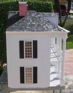 End photo of the Rosedawn Plantation Dollhouse
