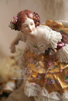 Dresden figurine, her face up close is beautiful, with expression. Porcelain Dolls Value, Fine Porcelain, Porcelain Ceramics, Painted Porcelain, Hand Painted, Royal Doulton, Delft, Statues, Dresden Dolls