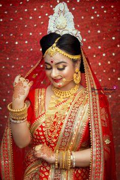 Bengali Bridal Makeup, Bengali Wedding, Bengali Bride, Indian Bridal Photos, Indian Bridal Outfits, Indian Bridal Fashion, Indian Wedding Photography Poses, Bride Photography, Bridal Looks