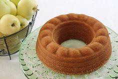 Heips! Tätä omenakahvikakkua olen tehnyt monta vuotta ja nyt omenakauden kunniaksi jaan ohjeen kanssanne. Tämä ohje on Suomalaisen kirjak... No Bake Cake, Waffles, Food And Drink, Kaneli, Cooking, Breakfast, Desserts, Recipes, Pies