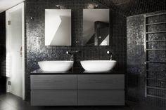 badezimmer dunkle farben anthrazit schiefer mosaik