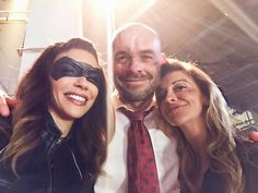 Laurel Lance black canary and Quentin lance bts Supergirl Dc, Supergirl And Flash, Arrow Season 6, Cw Crossover, Dinah Drake, Black Siren, Talia Al Ghul, Dinah Laurel Lance, Thea Queen