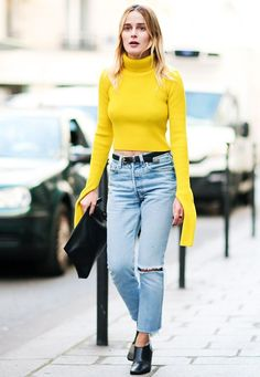 11+Chic+and+Simple+Street+Style+Looks+From+Paris+Fashion+Week+via+@WhoWhatWearUK
